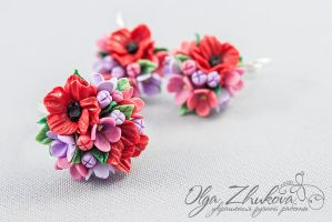 Flowers made of polymer clay by polyflowers