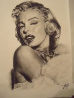 better image of marilyn by TheRoxBox