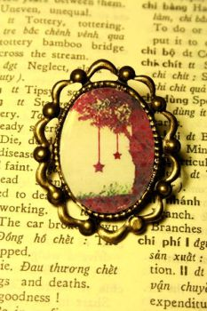 Starrie Lantern Brooch by Tea-For-Three