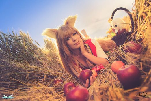 Horo loves apples by MiciaGlo