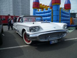 '59 Ford Thunderbird (updated) by someoneabletofindana