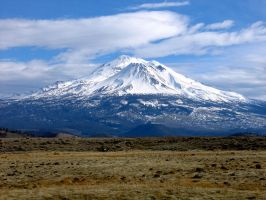 Mount Shasta by piarro