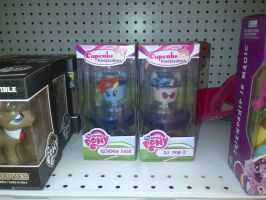 MLP Cupcake Figures - Rainbow Dash and DJ Pon-3 by Galvan19