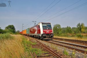 481 002-8 with freight in Gyor by morpheus880223