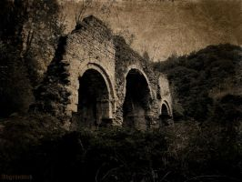 Abbey in ruins by Abgrundlich