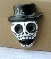 SKULL PIN by ArteDeMiFamilia