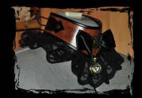 steampunk leather choker side view by Lagueuse