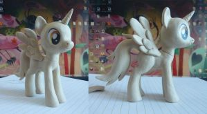 pony sculpt WIP by krowzivitch