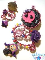 Wired Skull Brooch by colourful-blossom