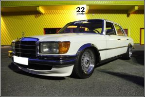 Mercedes Lowrider by 22photo