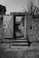 Une porte un chemin by LucienWittwer