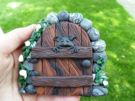 Gremlin Peeking Fairy Door by FlyingFrogCreations