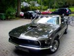 Ford Mustang by someoneabletofindana