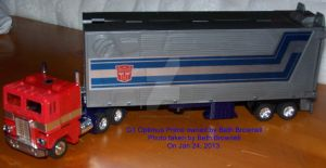 G1 Optimus Prime by fanfictionaxis
