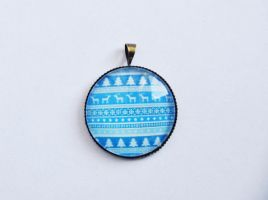 winter pattern pendant by yiea