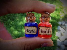 Health and Mana potion earrings by Saloscraftshop