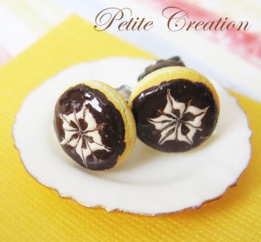 flower chocolate donut by PetiteCreation