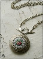 Bird's time locket by BeautySpotCrafts