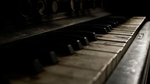 Them Old Ivories by RyoThorn