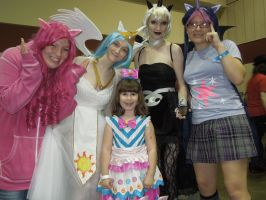 MegaCon 2012 MLP Cosplay by Timestitcher