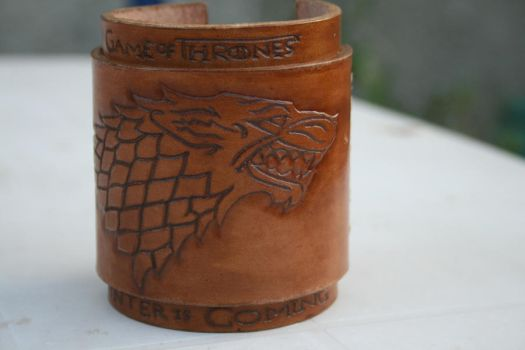 Bracelet Game of thrones Winterfell - 3 by oManao