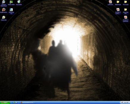 My Awesome Desktop by photographied