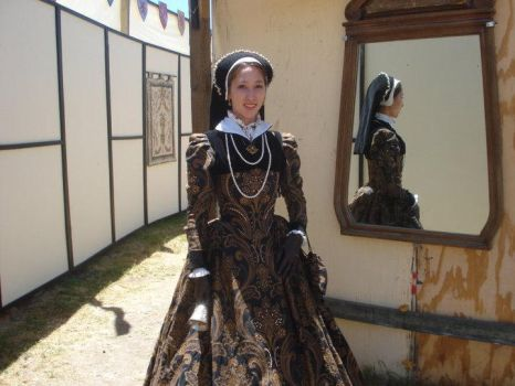 1560s Gown with Partlet by Lady-Lovelace