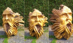 tree stump carved. H:100 cm by traficotte