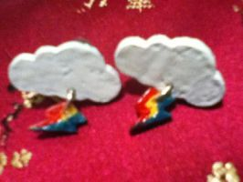 Rainbow Dash CM Earrings by insanityNothing