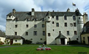 Traquair House by Estruda
