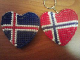 Norway and Iceland Heart Keychains by orijans