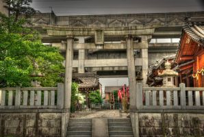 Shrine HDR by chinotenshi
