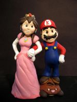 Mario and Peach Cake Topper by eggyyockio