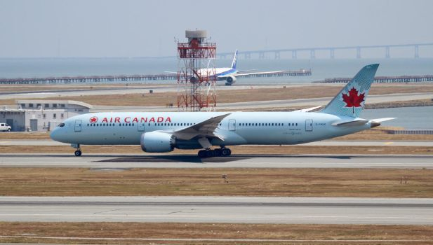 Air Canada Boeing 787-9 by AnthonyC12