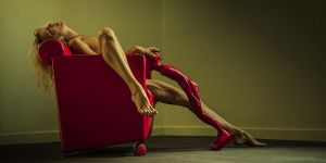 The lustful red statue by fb101