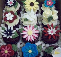 Flower cupcakes by see-through-silence
