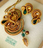 soutache handmade set of earrings and pendant by caricatalia