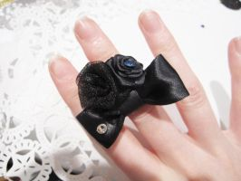 Black Rose Ring by rei-chaka