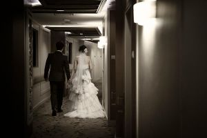 On their way to get married... by waiaung