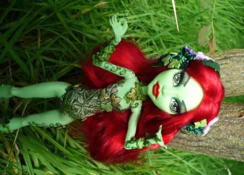 Custom Monster High Poison Ivy by redmermaidwerewolf