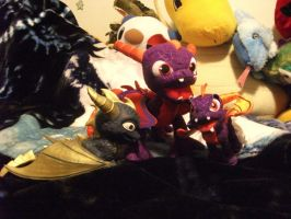 spyro plushies and stretchable toy by legendarydragonstar
