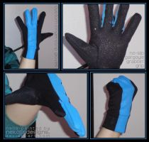 Nightwing's Kung-fu Grip Gloves by nekojindesigns