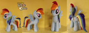 Rainbow Dash by WhiteDove-Creations