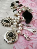 Rhinestone and fur bracelet by janedean