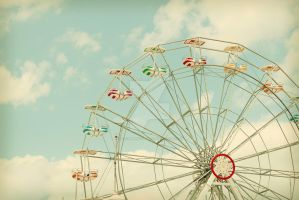 Ferris Wheel by lisaclarkedotnet