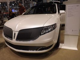 2013 Lincoln MKT by rootsauce