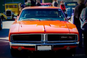 Dodge Charger RT by godwantsudead