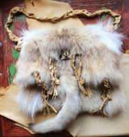 Wolf fur shoulder bag by lupagreenwolf