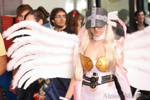 Angewomon (Digimon Adventure) Cosplay by RRicchan