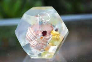 Dodecahedron 20 by hollyfieldsofgold